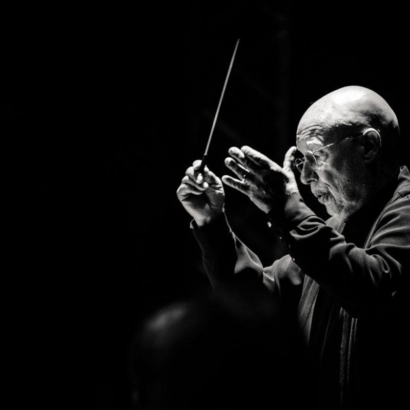 Dennis Russell Davies_Fotot archiv Filharmonie Brno